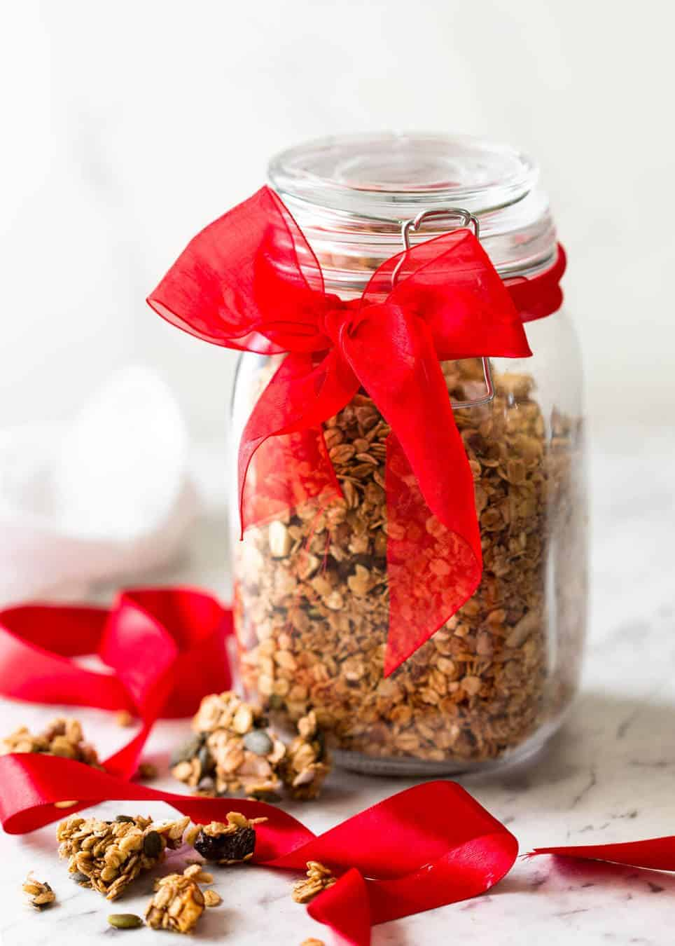 Build Your Own - Healthy Homemade Granola - Easy Food Gift Idea www.recipetineats.com