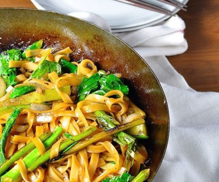 Vegetarian thai noodles pad see ew recipetin eats forumfinder Image collections