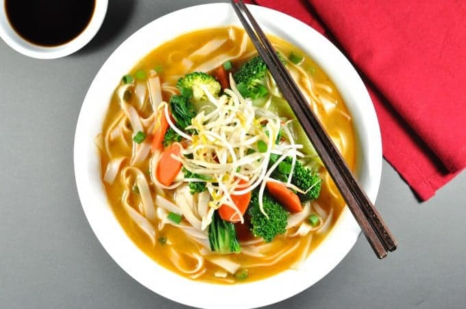 d87a084db7497 Vegetarian Dan Dan Noodle Soup - on the table in 15 min, < 300cal,