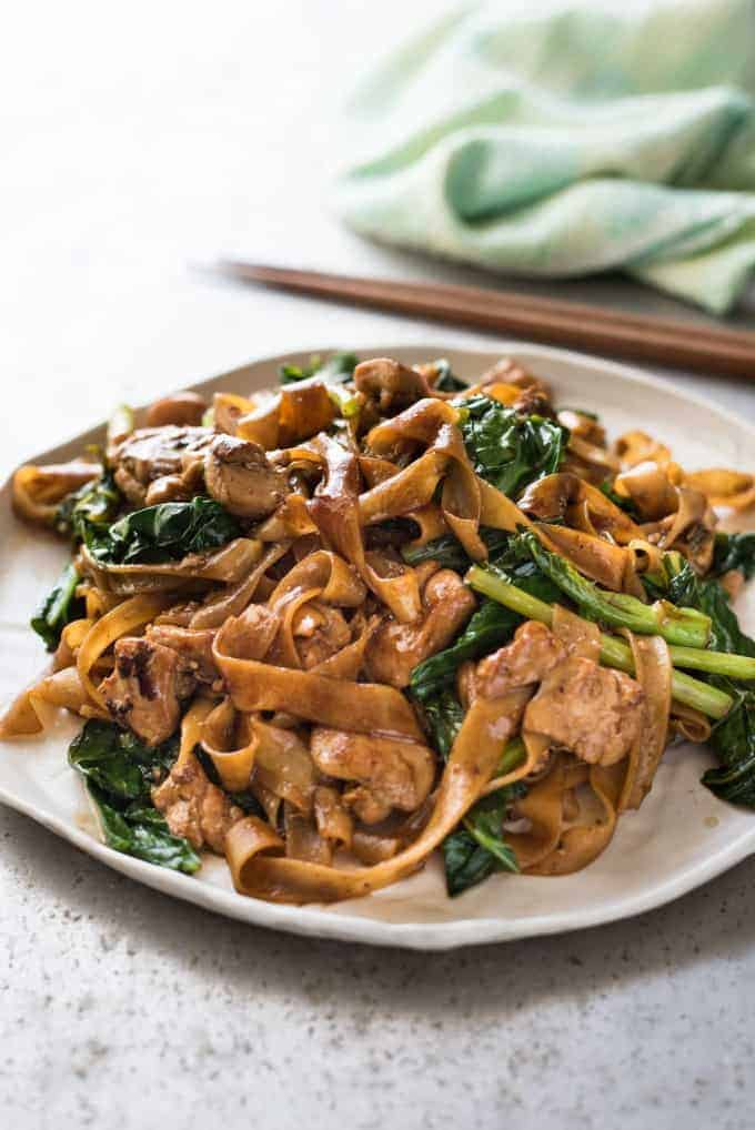 Pad see ew thai stir fried noodles recipetin eats pad see ew a real restaurant quality thai stir fried noodles recipe its easy forumfinder Choice Image