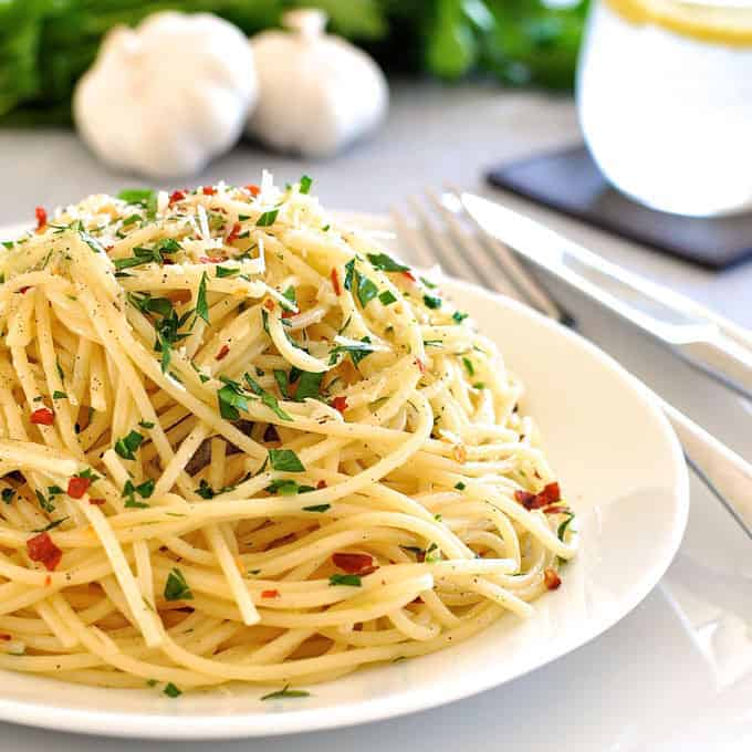 Pasta with Olive OIl & Garlic (Aglio Olio): 8 Classic Simple Authentic Pasta Recipes. Pantry favourites on the table in 15 minutes or less.