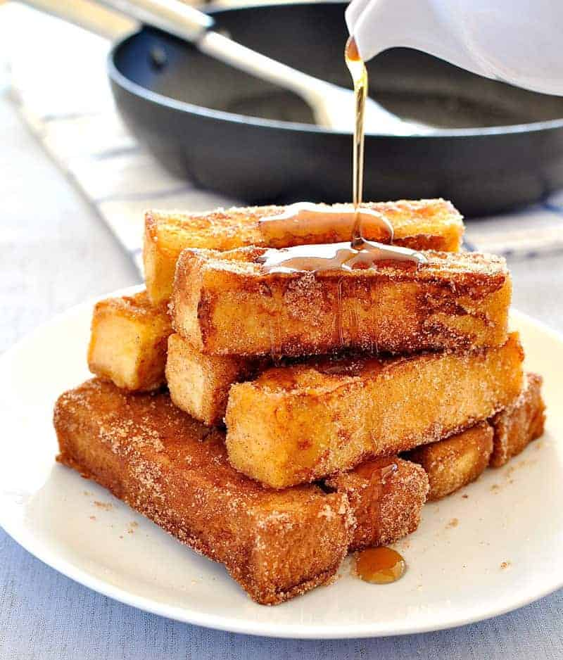 French toast you can eat with your fingers, tastes like cinnamon doughnuts and is on the table in 15 minutes. #easy #fast #breakfast #brunch