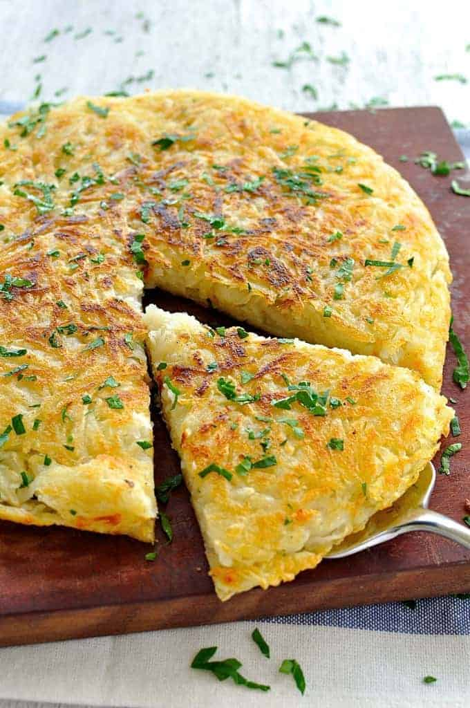 Great for feeding a crowd! And the tip to getting a crunchy crust every time. #potato #rosti #breakfast #brunch