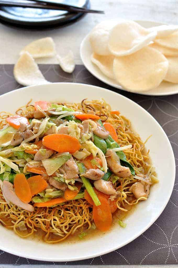 A plate of Crispy Chinese Noodles with Chicken