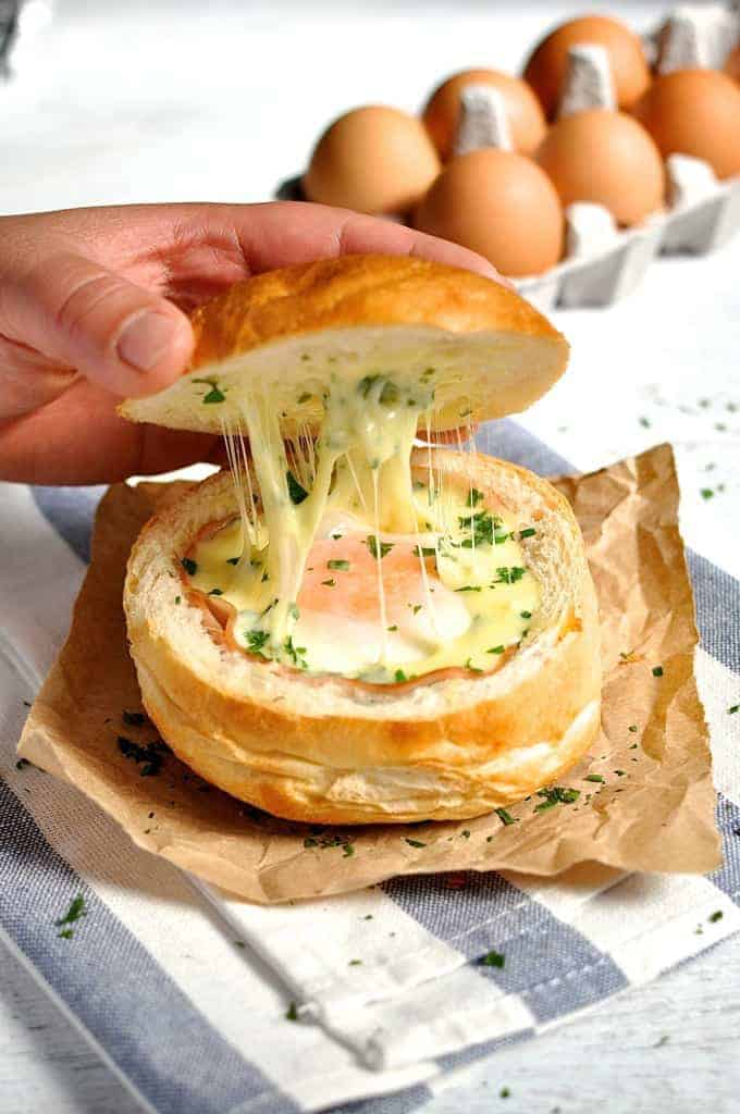 No Washing Up Ham, Egg & Cheese Bread Bowls, lifting lid showing cheesy inside
