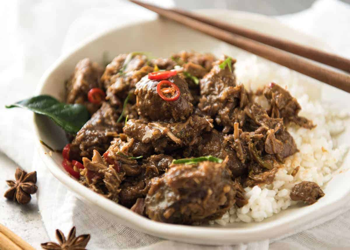 The King of all Curries, Beef Rendang is straight forward to make and has incredible deep, complex flavours. Quick recipe video provided! recipetineats.com