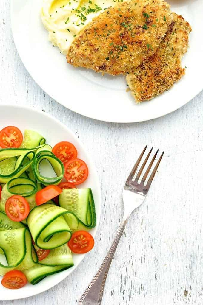 4 Ingredient Crunchy Chicken with Mashed Potatoes & Salad {15 Minute Meal from scratch}: mayonnaise + parmesan + panko + chicken = crunchy chicken. Amazing flavour with a thick, golden crust. (Broiled breaded chicken, grilled crumbed chicken)