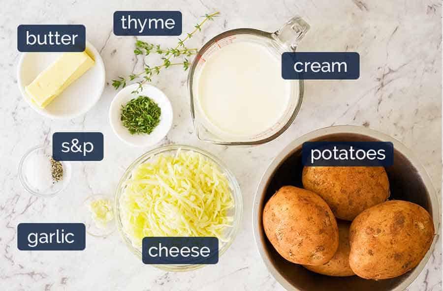 Ingredientes em batatas gratinadas (batatas Dauphinoise)
