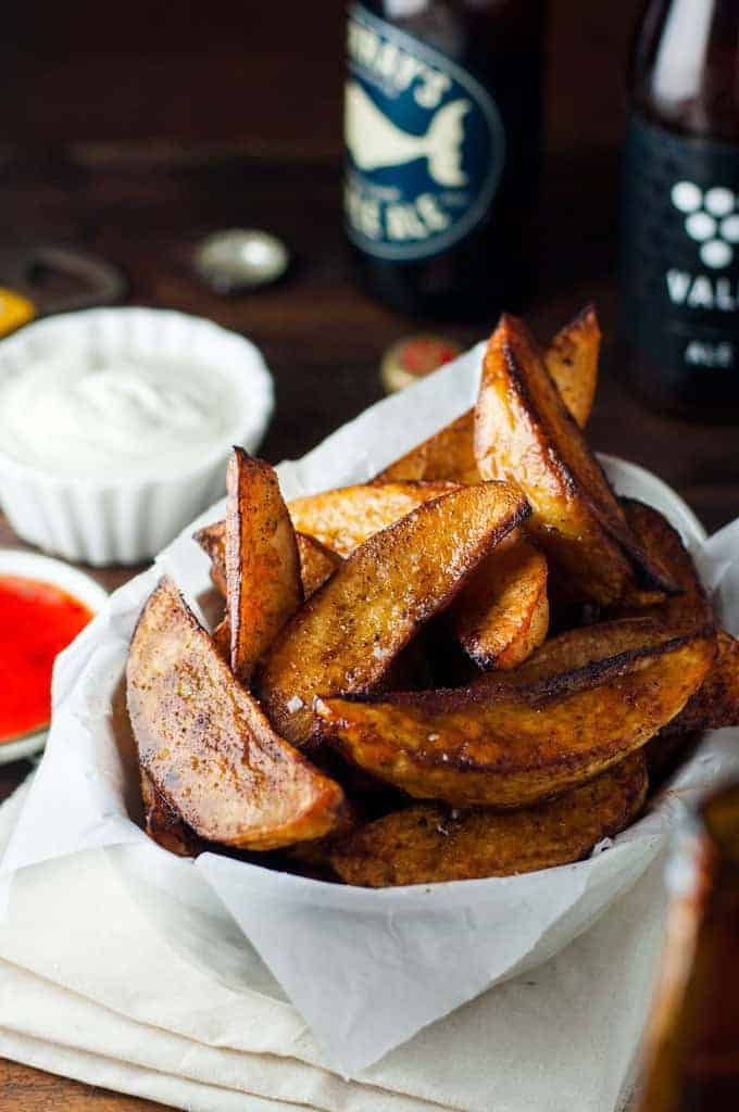 Crunchy Seasoned Baked Potato Wedges - Better than the frozen ones you can get from the supermarket! And a lot healthier too.
