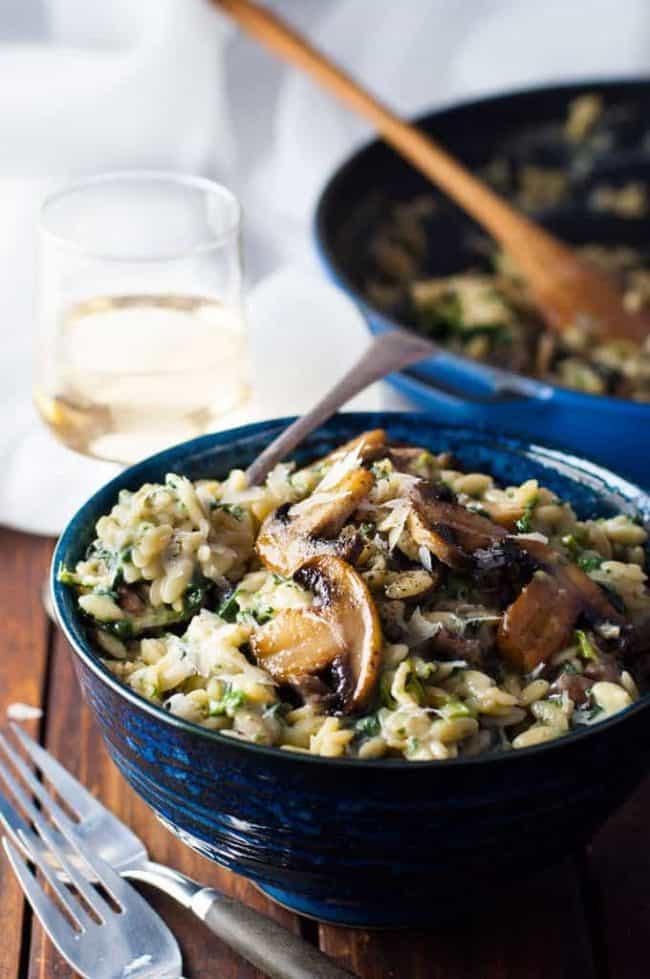 Creamy Mushroom and Spinach Orzo   http://homemaderecipes.com/cooking-102/healthy-recipes/orzo-recipes/