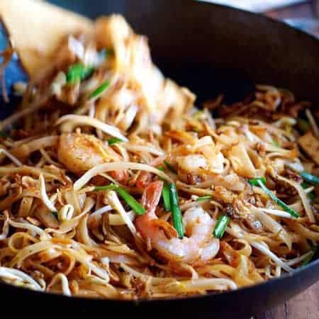 Shrimp / Prawn Pad Thai (Spice I Am Restaurant + Easy Homestyle)