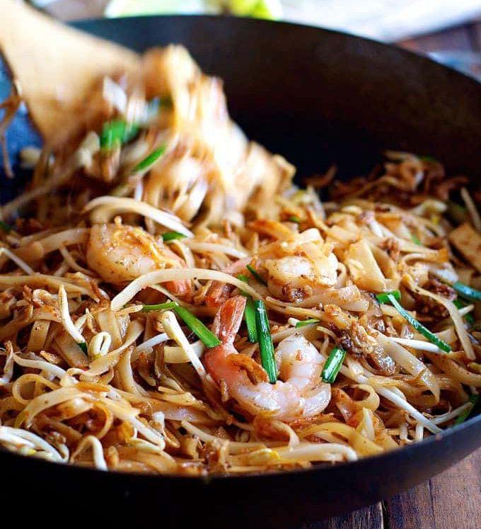 Shrimp Pad Thai in a wok