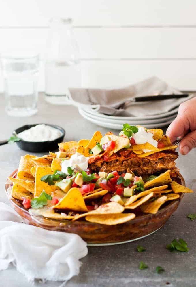 Nachos Pie - all the flavour of nachos, with far less guilt! This is how to get your Nachos fix midweek.