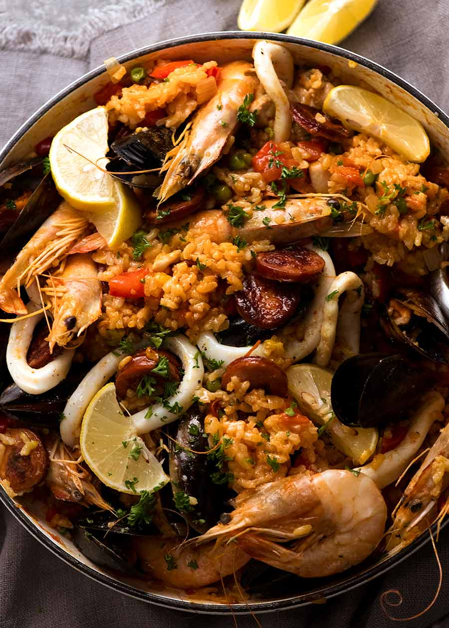 Photo of freshly cooked Paella