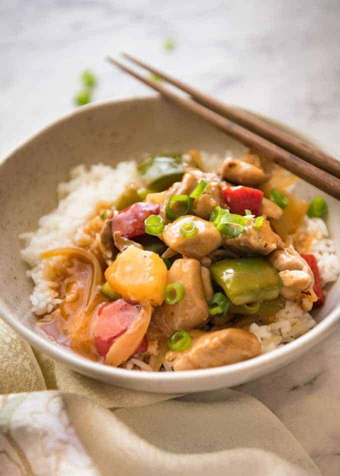 Bright and colourful, this Sweet and Sour Chicken Stir Fry is made with a sauce that rivals the best Chinese restaurants! recipetineats.com