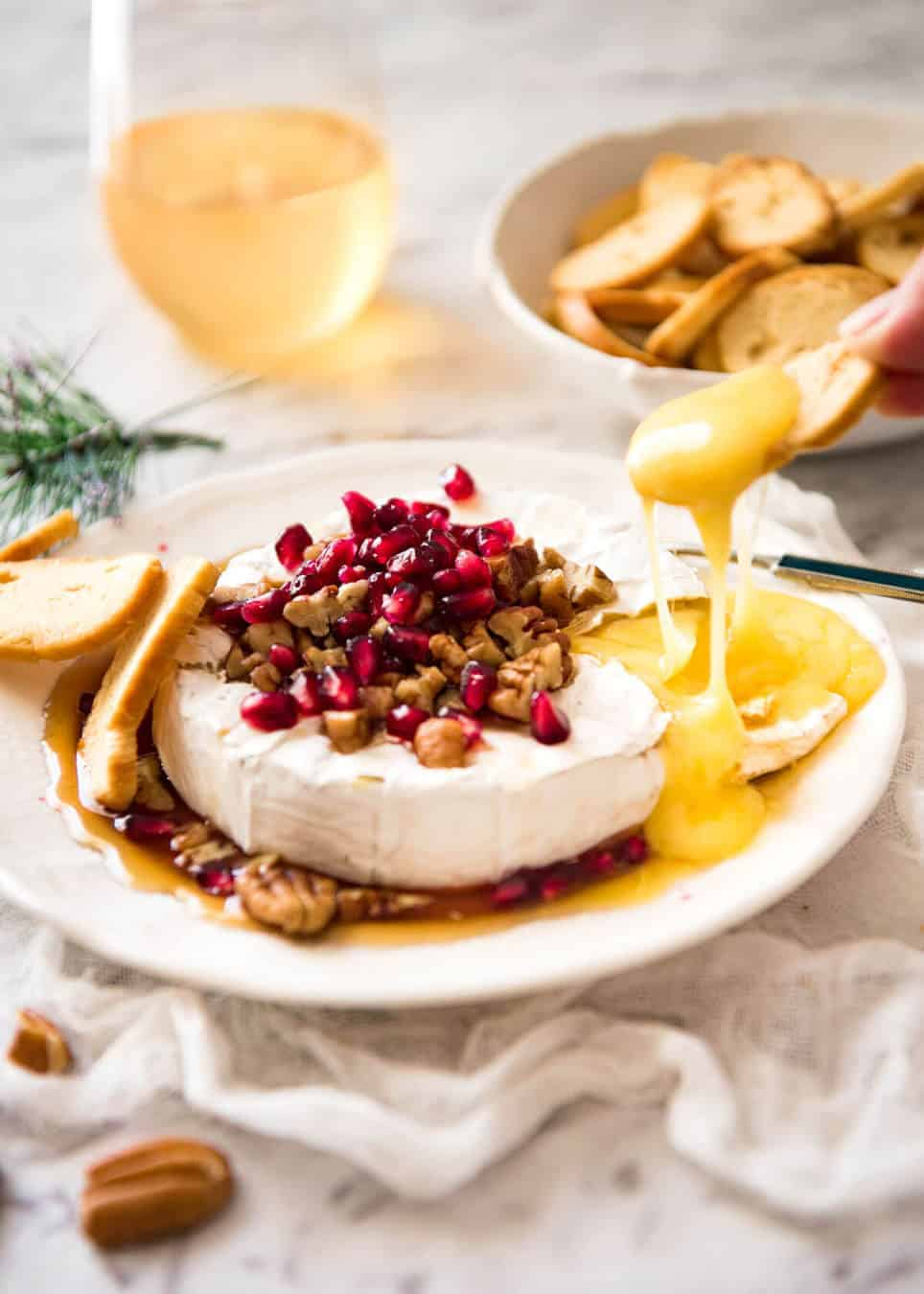 3 Minute Melty Festive Brie - Just microwave for 1 minute and you have an almost-instant baked brie appetizer! coral-beachresortsharjah.com