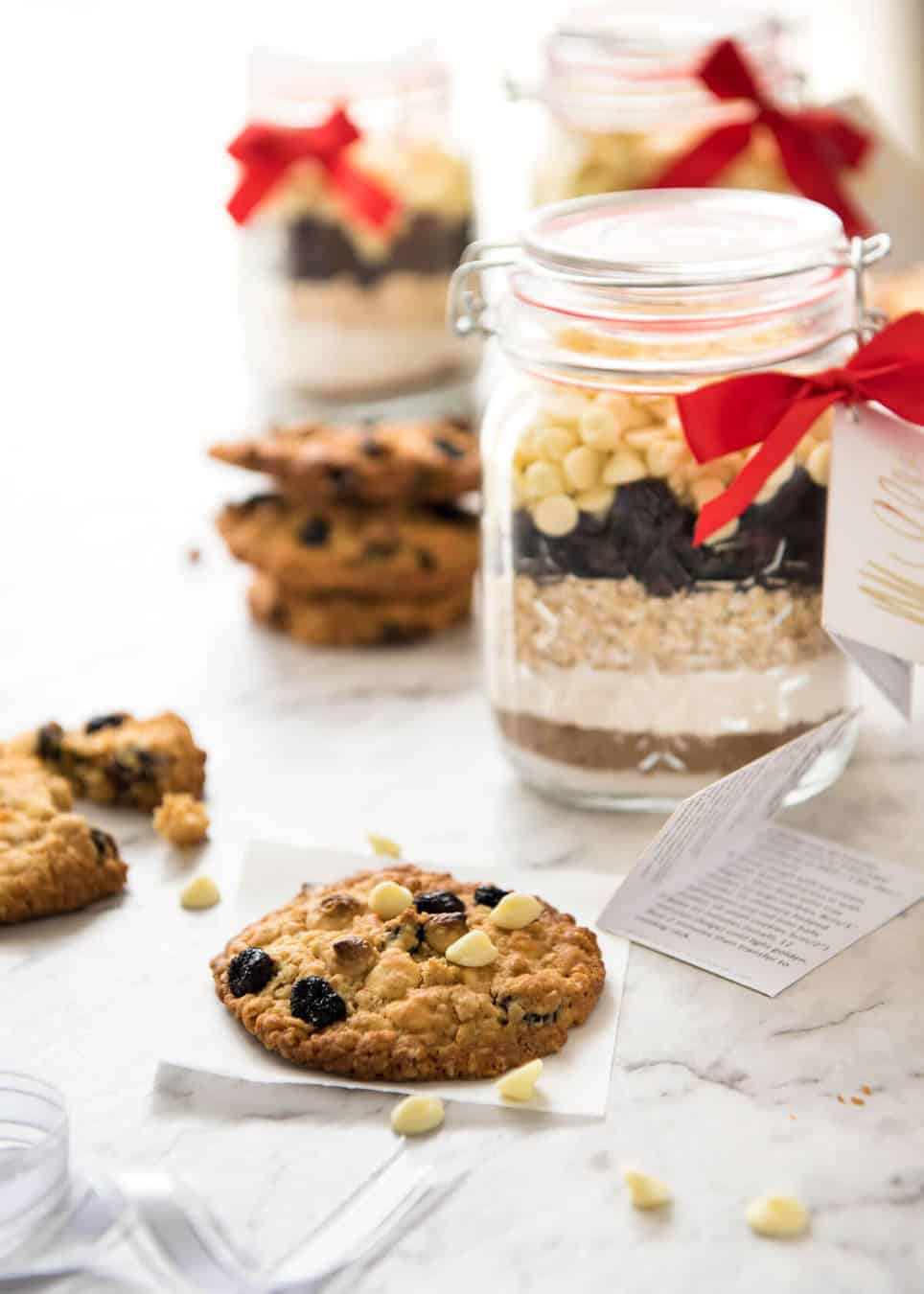 Cookie mix in a jar white chocolate cranberry cookies for Christmas cookies to make for gifts