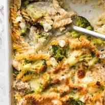 This is how to make a HEALTHY Creamy Pasta Bake in one baking dish, from scratch. Loaded with broccoli, 5 minutes prep then just pop it in the oven. This Ultra Lazy HEALTHY Creamy Chicken Pasta Bake is magical! recipetineats.com