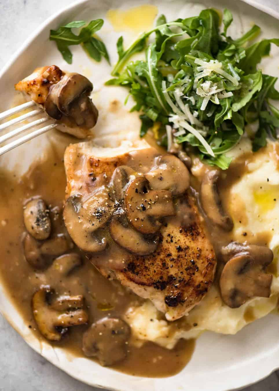 Chicken with mushroom gravy recipetin eats a fabulous quick midweek meal juicy pan seared chicken with mushroom gravy forumfinder Images