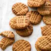The World's Best Easy Peanut Butter Cookies are SOFT and CHEWY. Peanut butter, brown sugar and egg is all you need! recipetineats.com