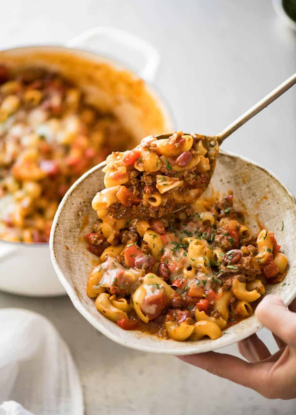 One Pot Chili Mac and Cheese - devilishly delicious, on the table in just over 20 minutes. www.recipetineats.com