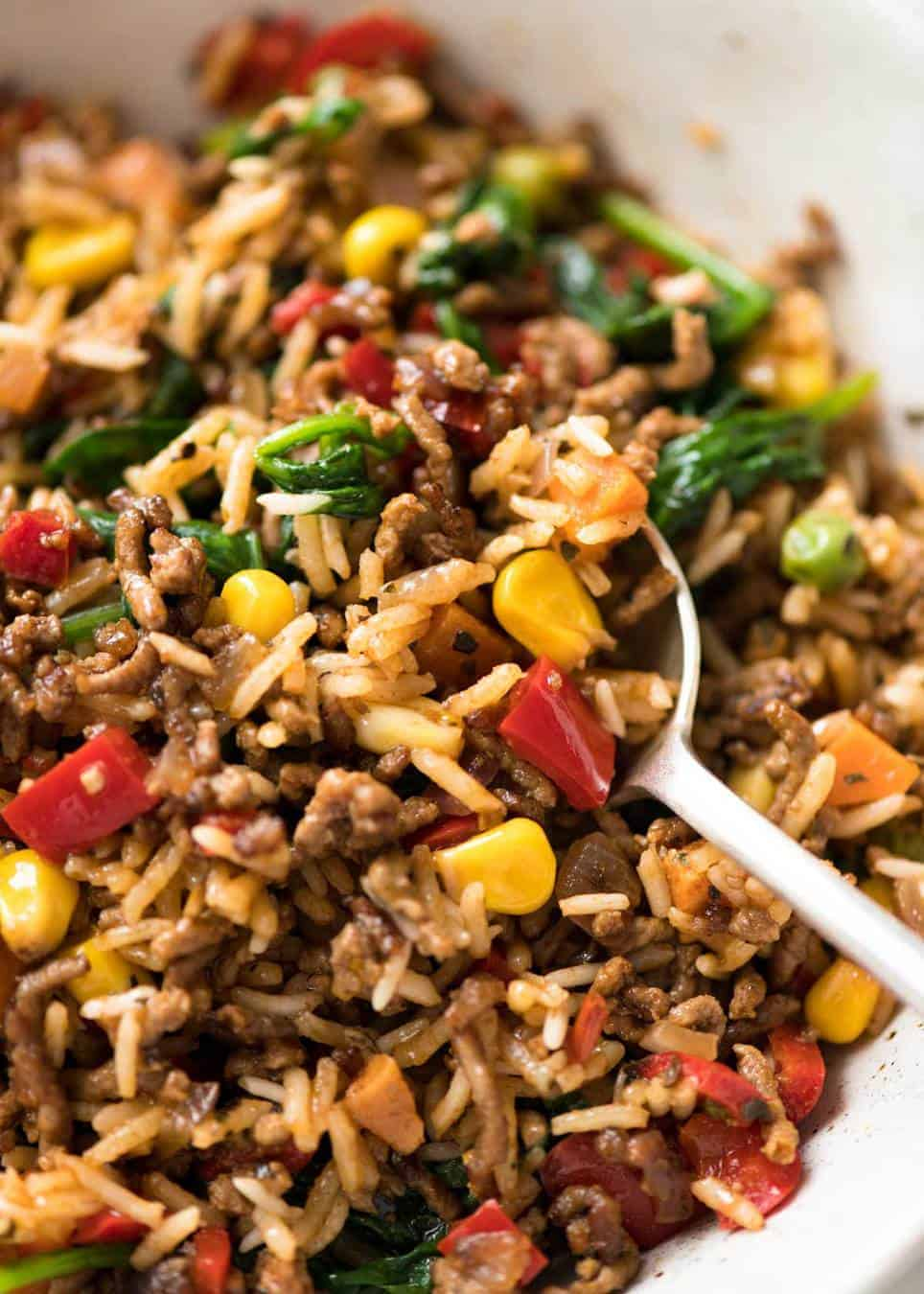 One Pot Ground Beef and Rice with loads of veggies - Browned beef cooked with seasoned rice and vegetables. A fast, super tasty complete meal! recipetineats.com