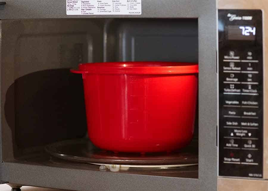 Photo showing how to cook rice in the microwave - perfectly!