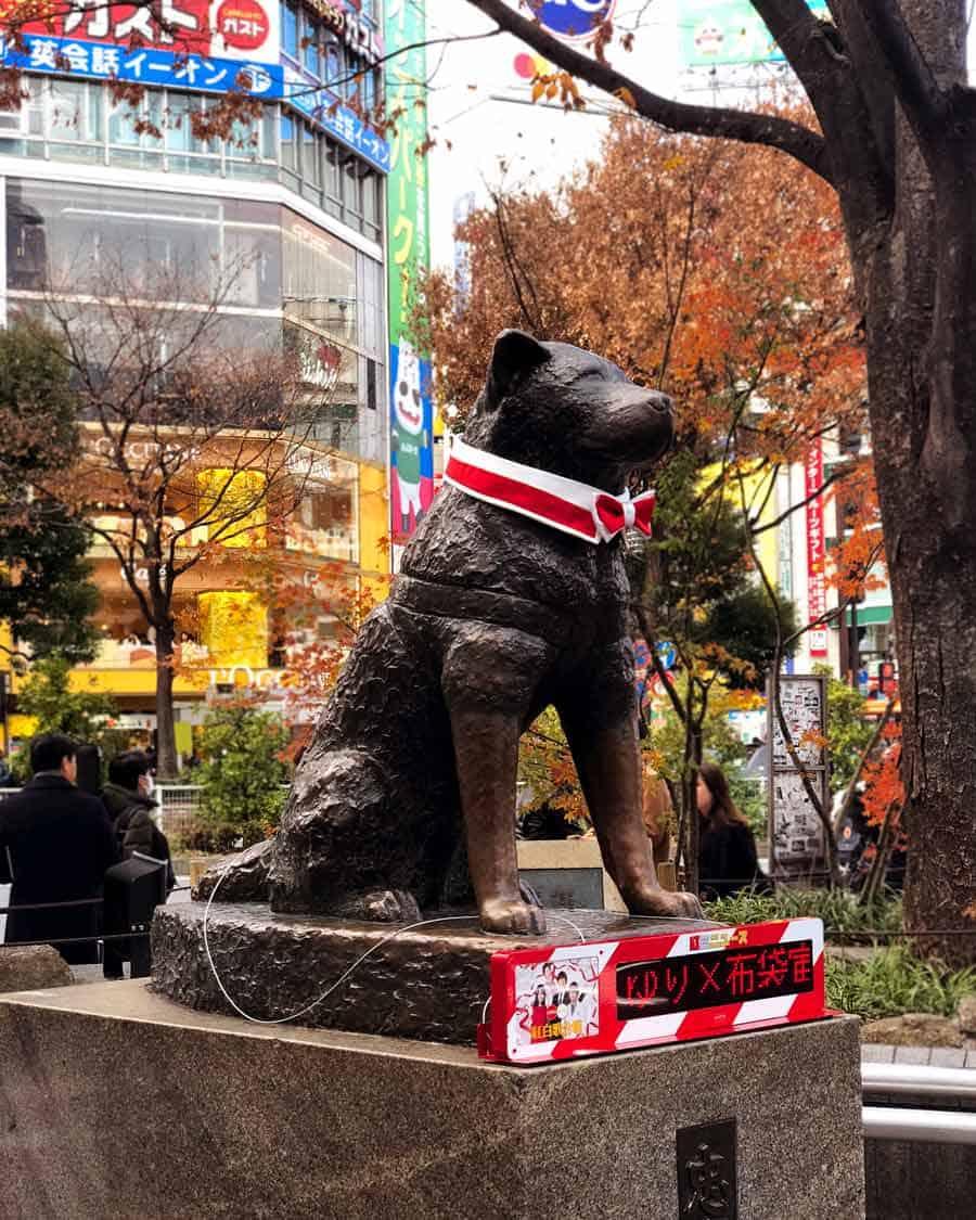 Shibuya Hachiko dog statue