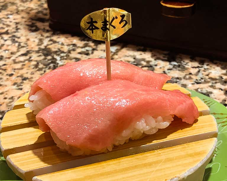 Sushi tuna otoro