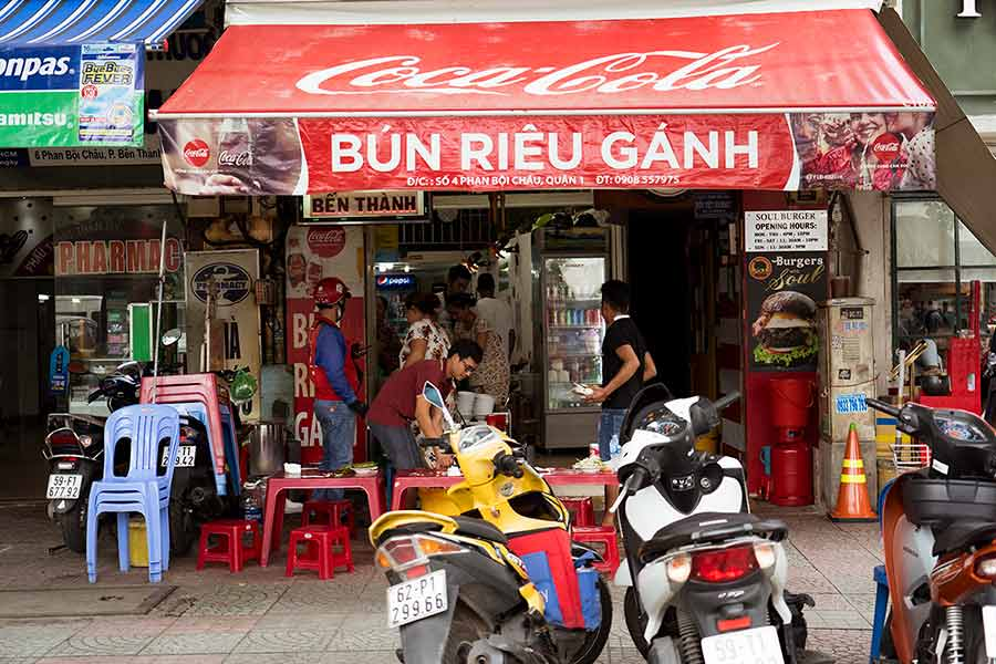Best place for Bún riêu - Vietnamese Crab noodle soup - Bun Rieu Ganh in District 1 Saigon