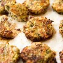 Cheesy Broccoli Chicken Mince Fritters