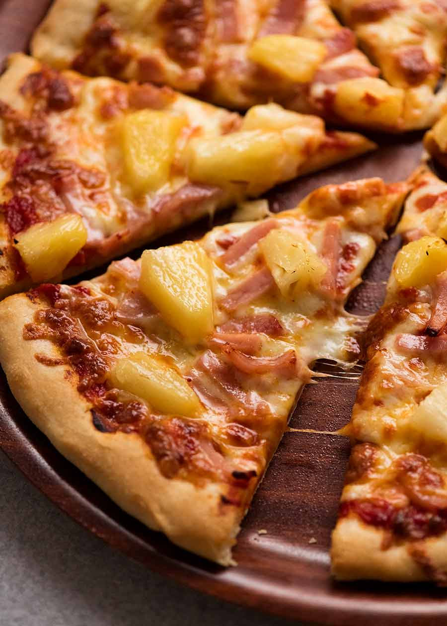 Ham and Pineapple pizza (Hawaiian)