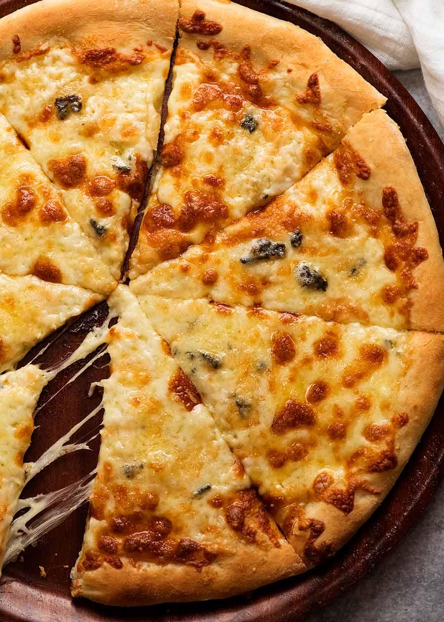 Quattro Formaggio (Four Cheese Pizza)