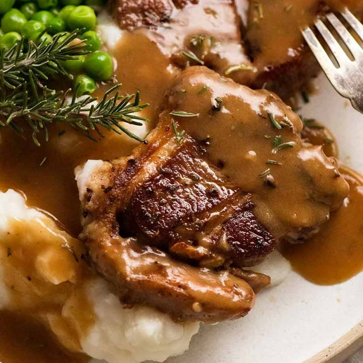 Lamb Chops with Rosemary Gravy, creamy mashed potato and peas