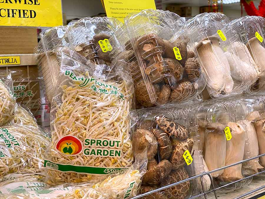 Beansprouts-and-mushrooms-Asian-market
