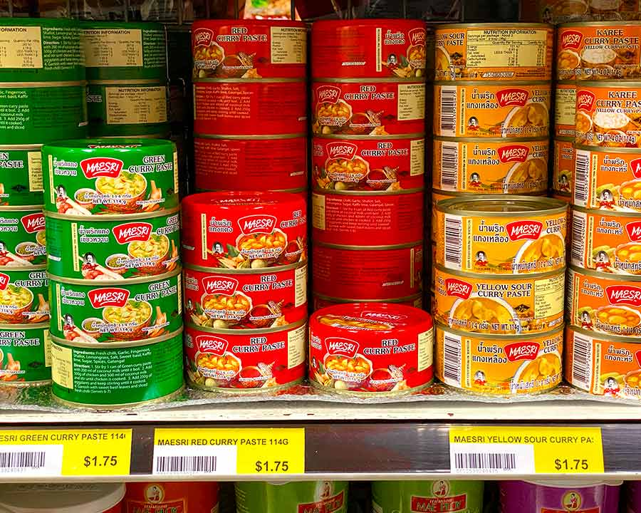 Maesri curry pastes - best curry pastes!