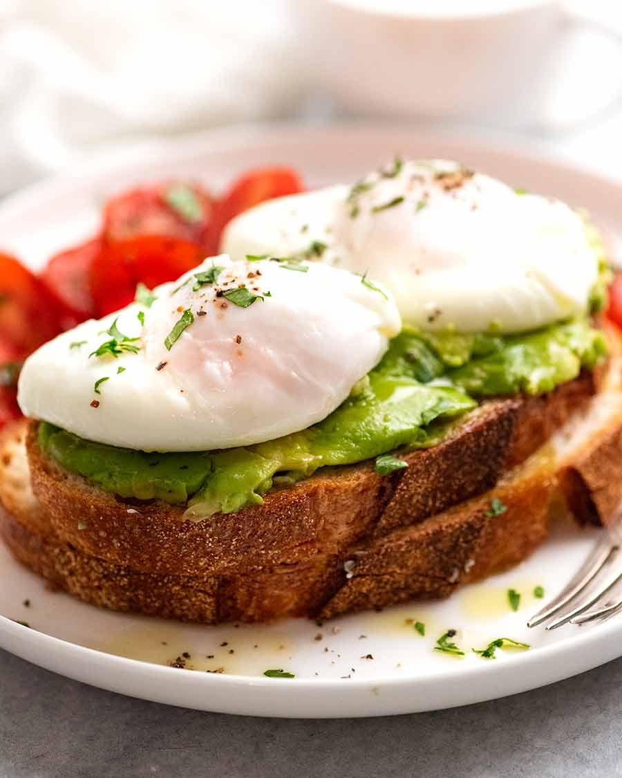 Easy Poached Eggs on Avocado Toast