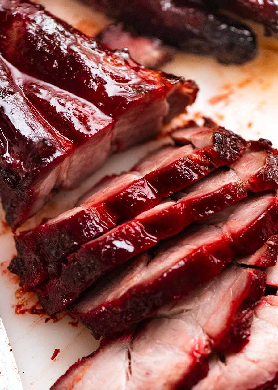 Close up de carne de porco fatiada Char Siu - carne de porco grelhada chinesa