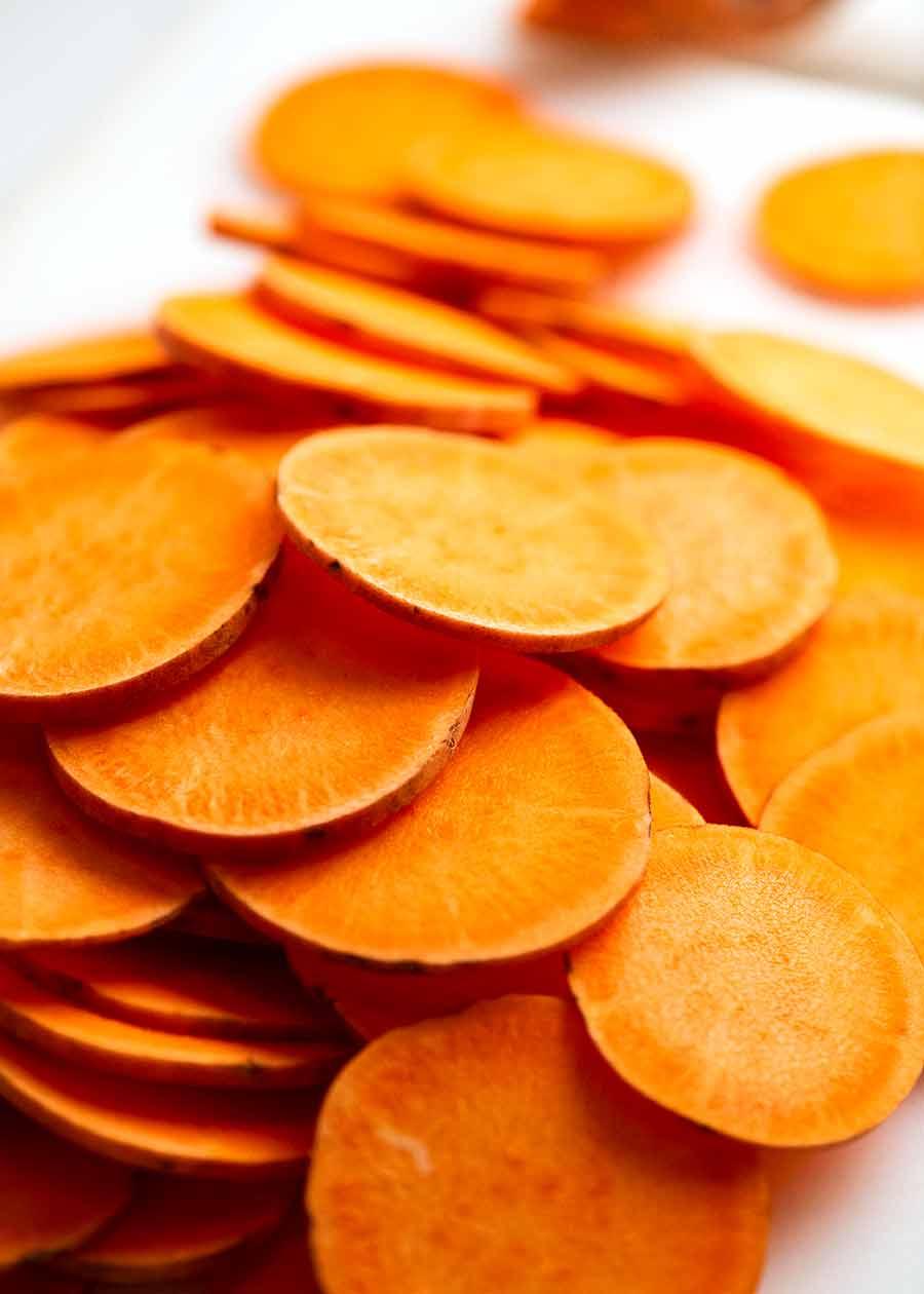 شرائح خبز البطاطا الحلوة (طبق جانبي)