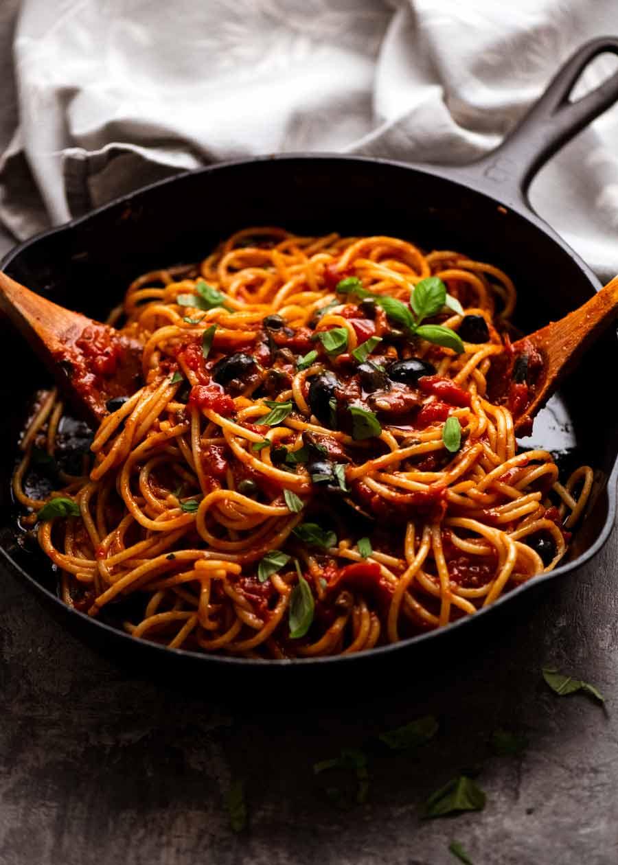 Spaghetti alla Puttanesca ready to be served