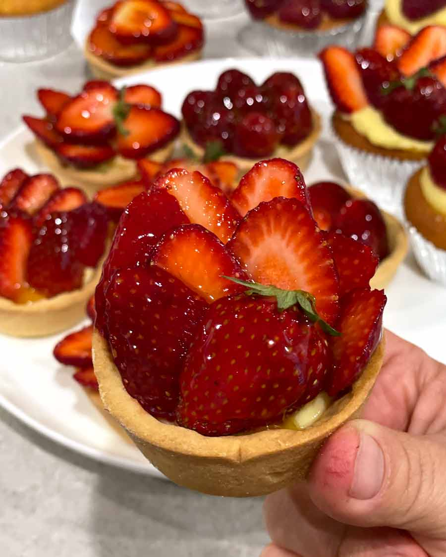 Making of a cookbook - Strawberry Tart fail