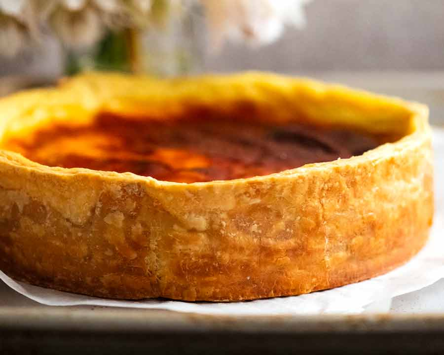 Photo showing side of Flan Patissier pastry crust