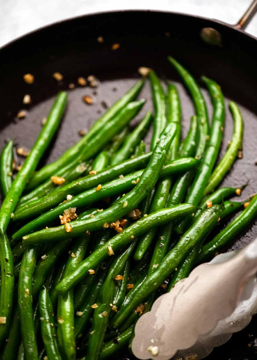 Garlic Sautéed Green Beans in a skillet